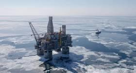 """""""Berkut"""" offshore platform - Image Credit: Sakhalin-1"""