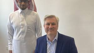 Photo caption (L-R): Deputy Managing Director for i-Energy, Mr Waleed Batarfi with Business Development Manager for HPR ROV, Christian Hingley