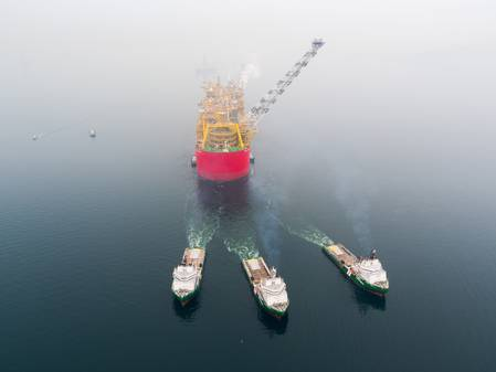 A Shell FLNG underway offshore (CREDIT: Shell)