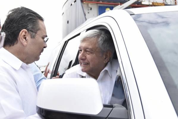 Pemex President Octavio Romero Oropezawith Mexico President Andrés Manuel López Obrador (Photo: Pemex)