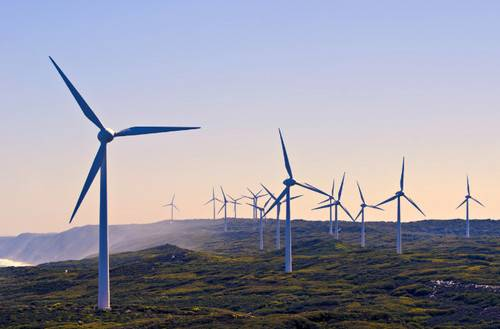Australia's target for clean energy generation was reached last week (August 30) and wind and solar power are now the country's cheapest sources of energy.  (Photo: © Adobe Stock / Imagevixen)