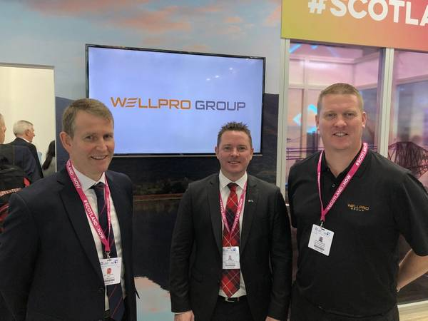 Left-right: CEO Jim Thomson, Mark Fraser, Regional Manager Middle East and Martin Webster, Regional Manager Asia. (Photo: Wellpro Group)
