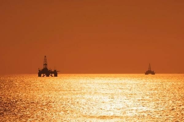 Offshore rigs, Illustration - Image by Elnur - AdobeStock