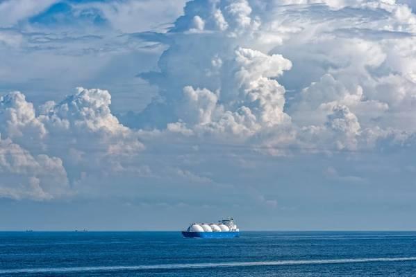 Illustration; LNG Tanker - Image by; Igor Groshev - AdobeStock