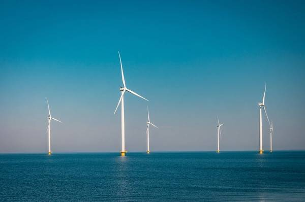 To boost green power, Japan plans to install up to 10 gigawatts (GW) of offshore wind capacity by 2030 -Image by Fokke/AdobeStock